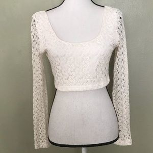 Double Zero NWOT Creme Long Sleeved Lace Top M